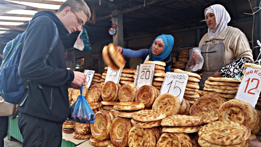 Lokalne pieczywo na Osz bazar