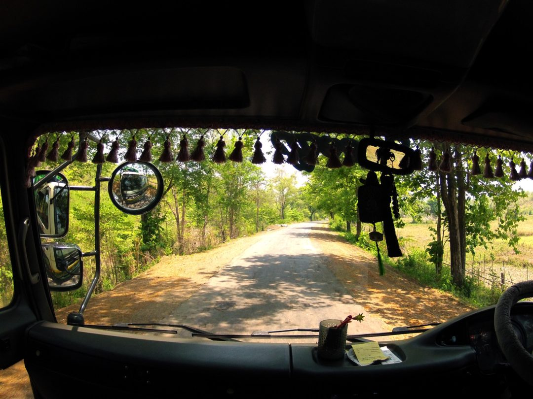 Autostop w Birmie – Na Nowej Drodze Życia