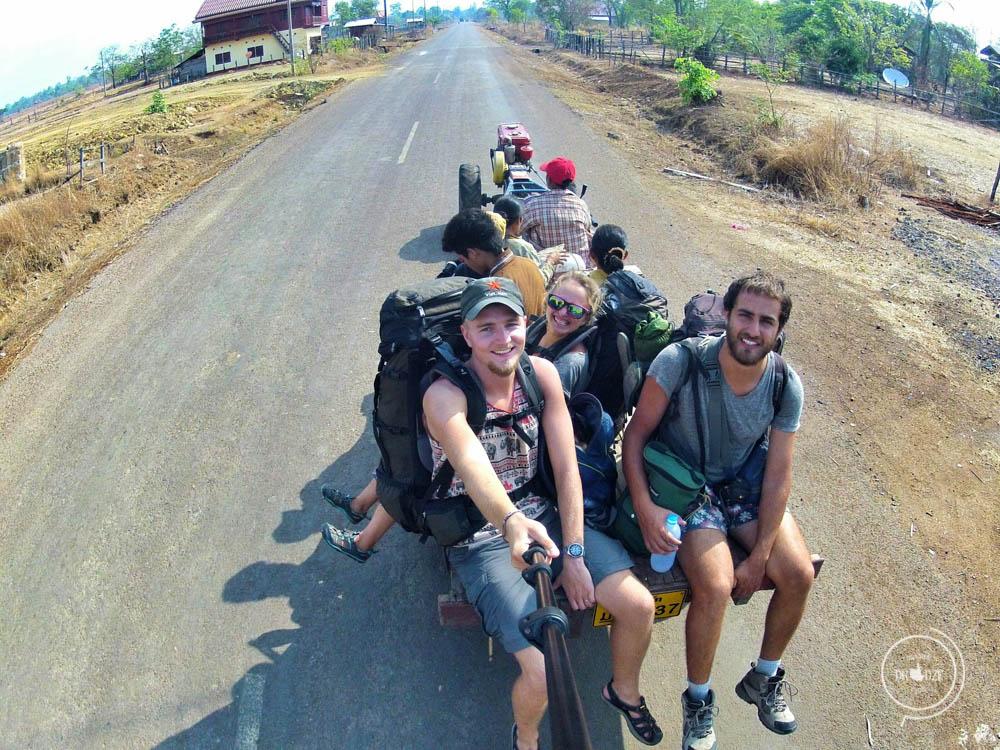 Autostop w Laosie – Na Nowej Drodze Życia