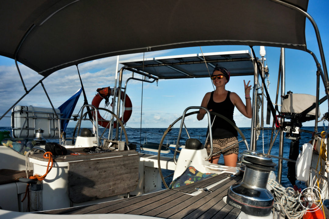 Jachtostop a choroba morska – jak przeżyć rejs?