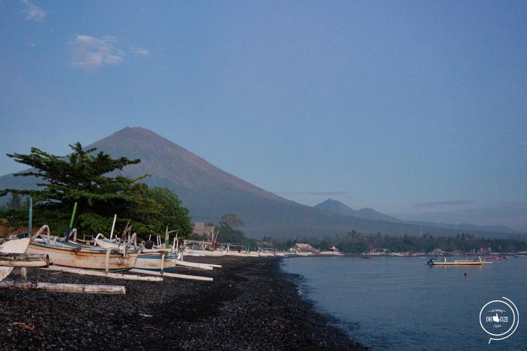Bali – co warto zobaczyć. Plaża w Amed