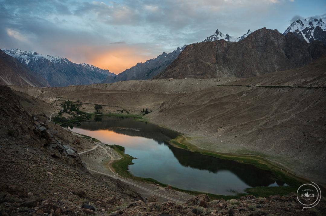 Pakistan co zobaczyć - Jezioro Borith