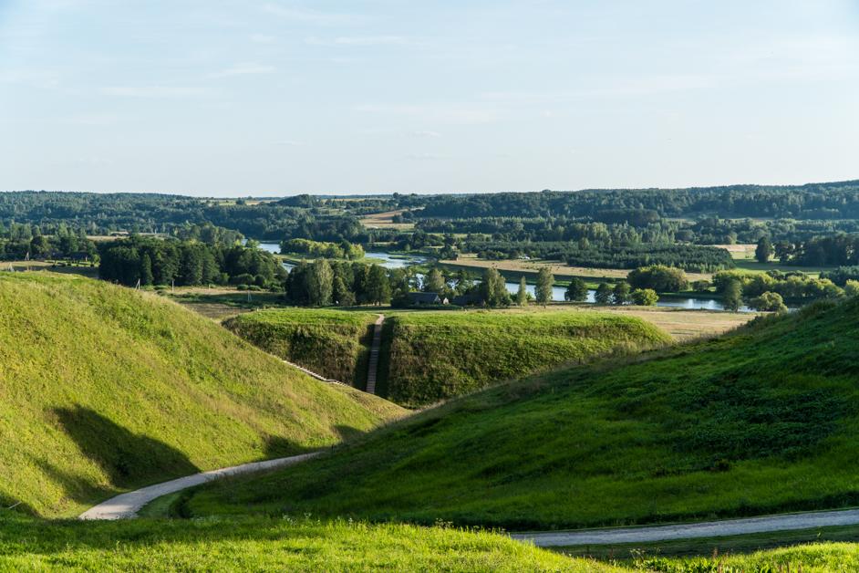 Litwa co zobaczyć - Kernave / Kierniów - Na Nowej Drodze Życia