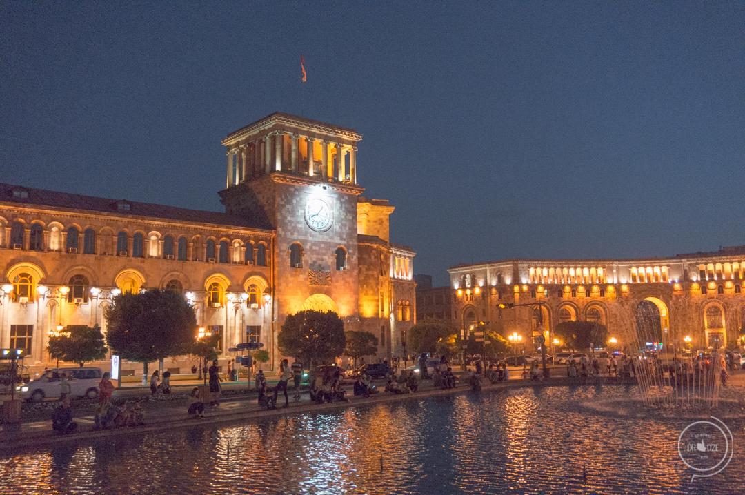 Erywań - Plac Woloności - Armenia