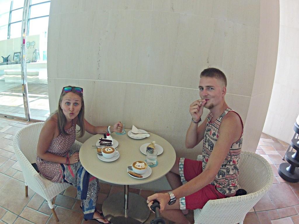Kawa i ciasto - pyszne! :)