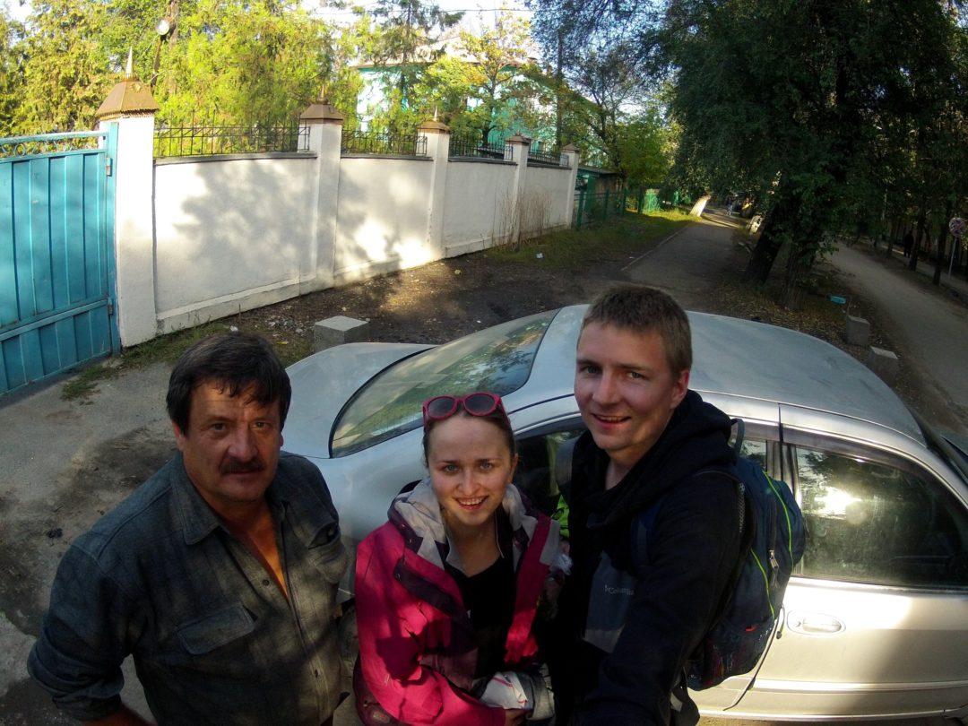 Z kierowcą w Biszkeku. Autotop w Kirgistanie - Na Nowej Drodze Życia