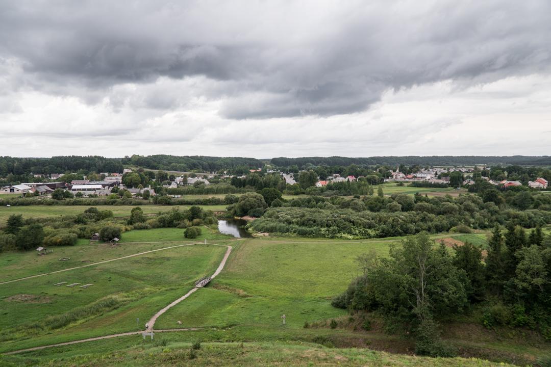 Co warto zobaczyć na Litwie - Kopiec Kartena Na Nowej Drodze Życia