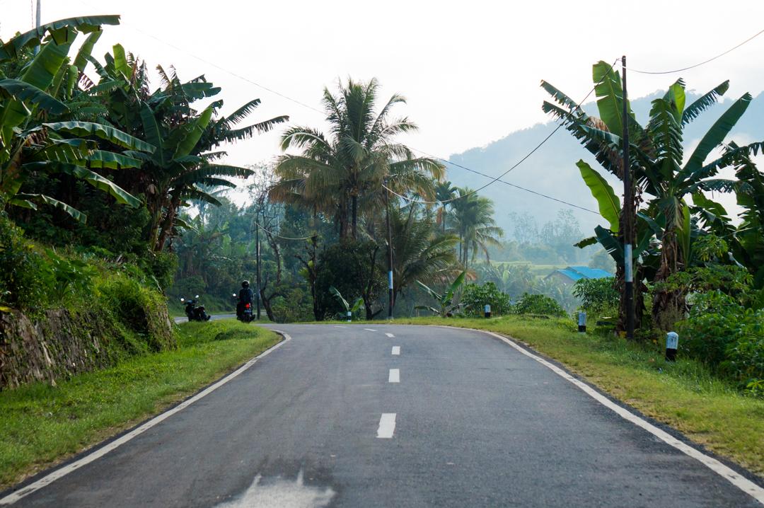 Flores co zobaczyć - Indonezja - drogi na Flores