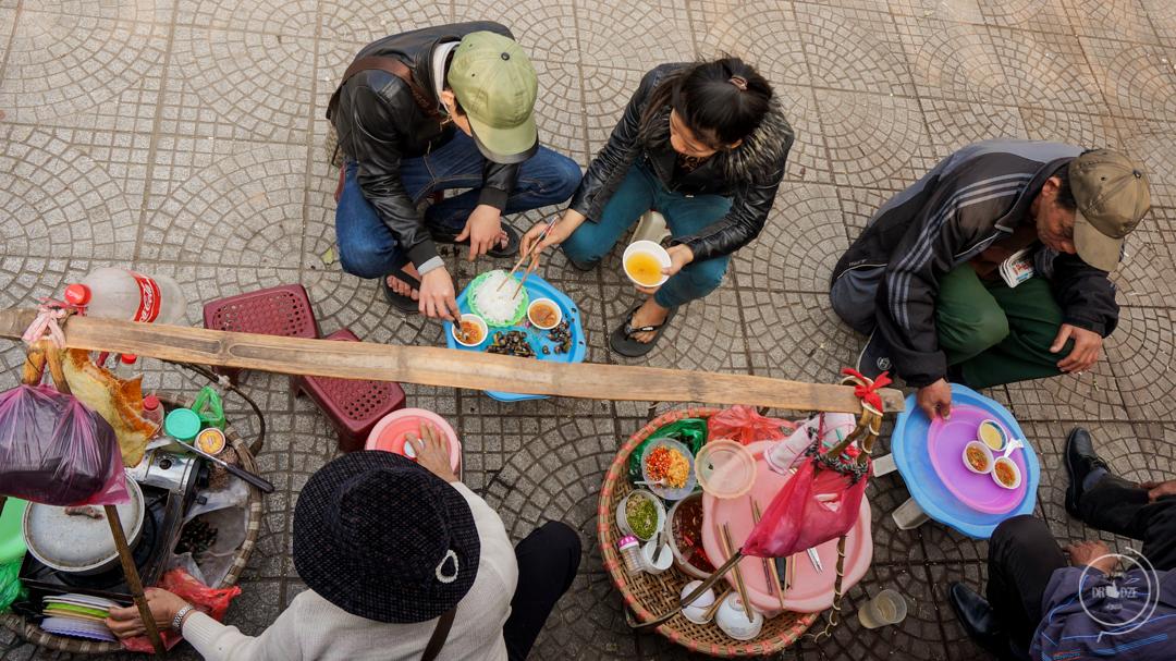 Uliczne jedzenie w Hanoi - co zjeść w Wietnamie