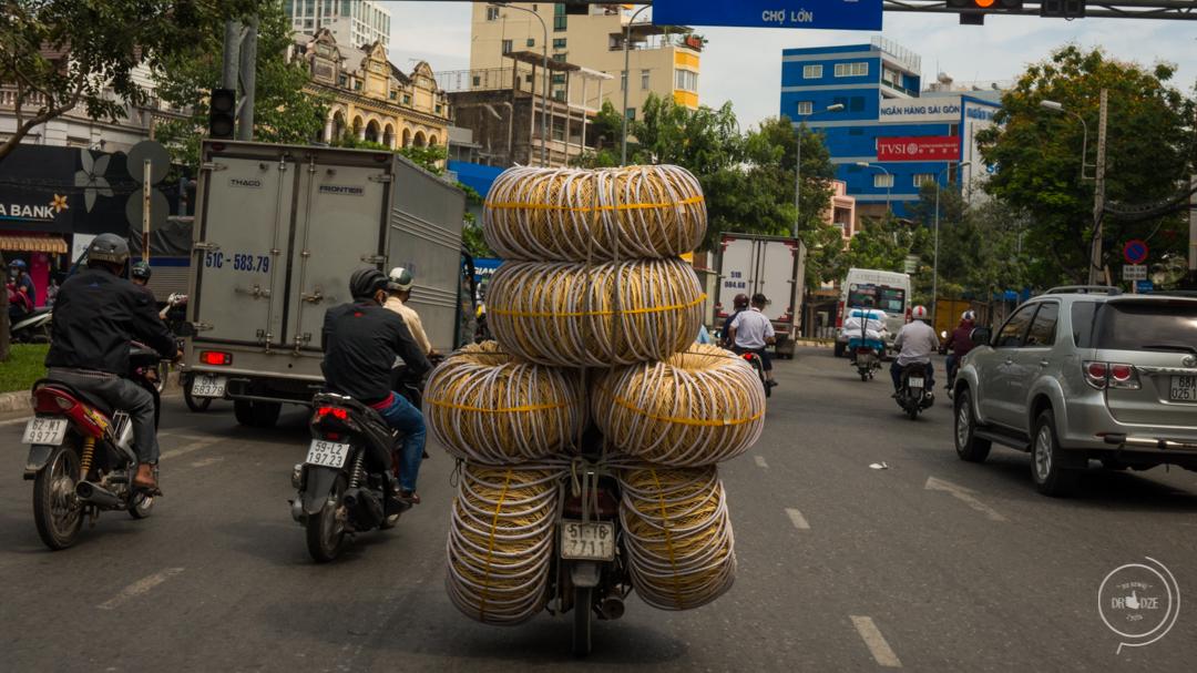 Kierowcy w Wietnamie. Podróżowanie motorem po Wietnamie